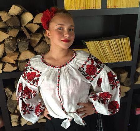 Пенетьєрі вбралася українкою, щоб потішити коханого чоловіка. ФОТО