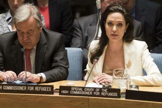 Анджелина Джоли устроила скандал в ООН (фото)