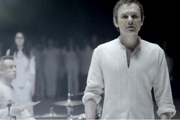 """Вакарчук презентував символічну  пісню для України """"Не твоя війна"""" (відео)"""