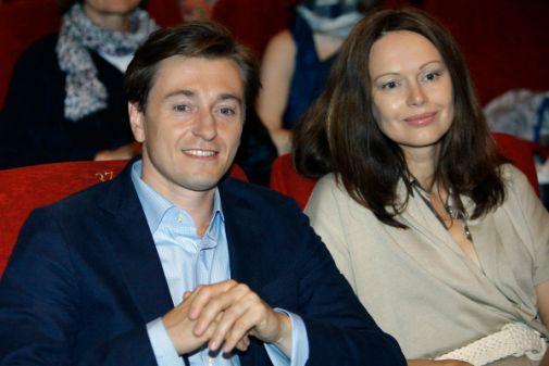 Після 15-річного шлюбу Безруков кинув дружину заради коханки (ФОТО)