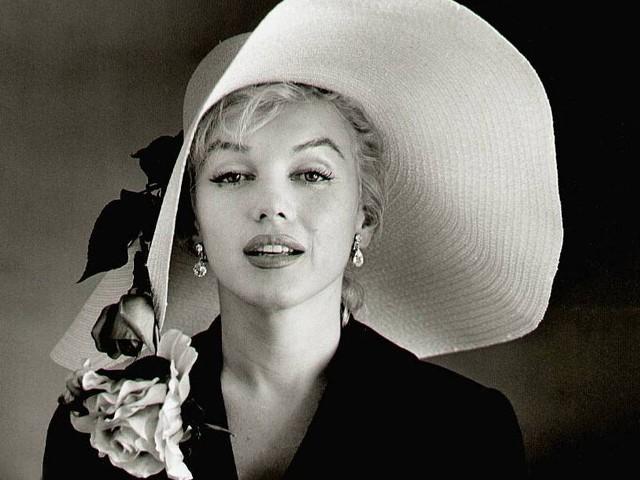 Еталон краси: відверті фото та маловідомі факти  з життя Мерлін Монро