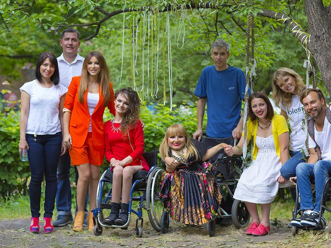 Ані Лорак засвітилася у благодійності: підтримавши дівчат з ДЦП (ФОТО, ВІДЕО)