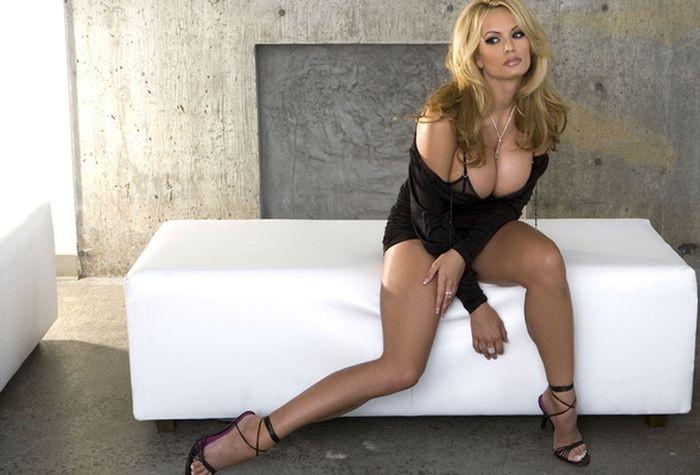 10 порнозірок, які хотіли побудувати політичну кар'єру