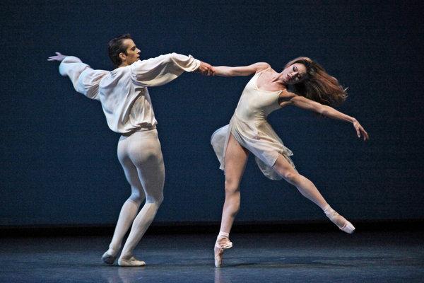 Диониссийская балерина в аполлонистическом балете