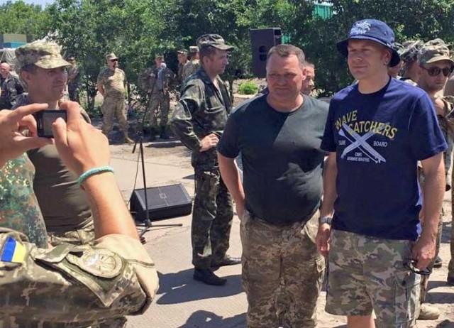 «Тартак» дал концерт для бойцов АТО под аккомпанемент канонады (ВИДЕО)