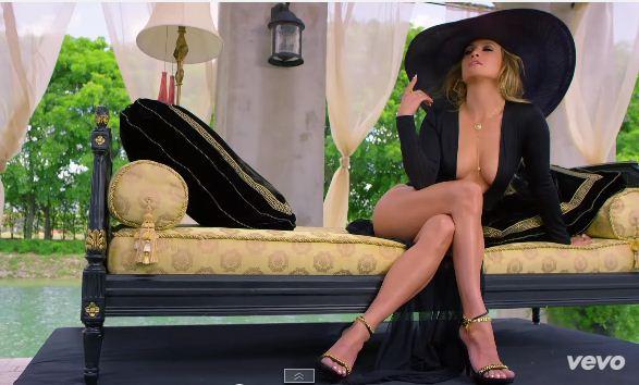 Сексуальная Дженнифер Лопес в откровенных образах сняла новый клип (ВИДЕО)