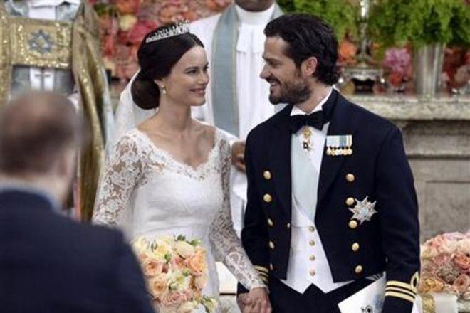 Принц Швеции женился на «современной Золушке» (ВИДЕО)