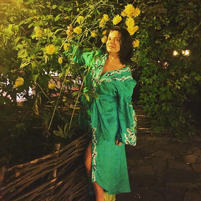 Наташа Корольова без макіяжу насолодилася літнім вечором в Києві (ФОТО)