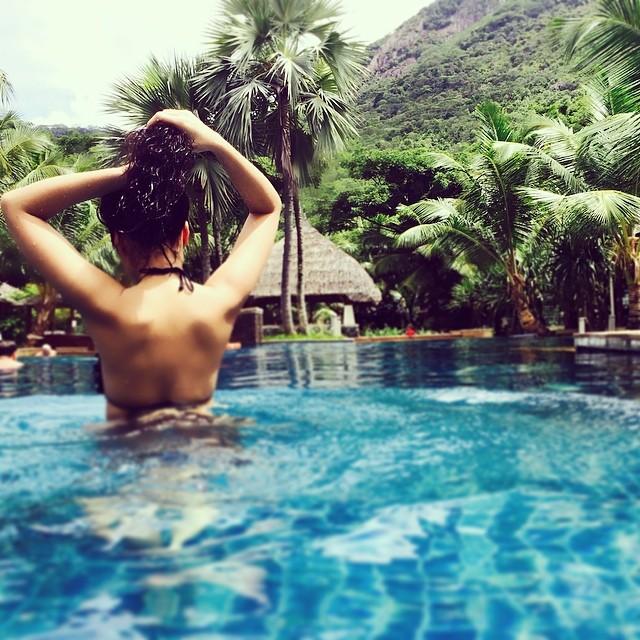 Найсексуальніші фото стрункої Насті Каменських в бікіні