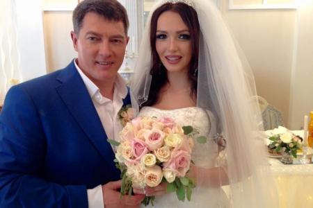 «Міс Україна-Всесвіт-2013» одружилася зі своїм особистим меценатом (ФОТО)
