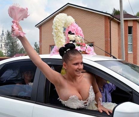 Крик моди: весільні сукні на межі пристойності (ФОТО)