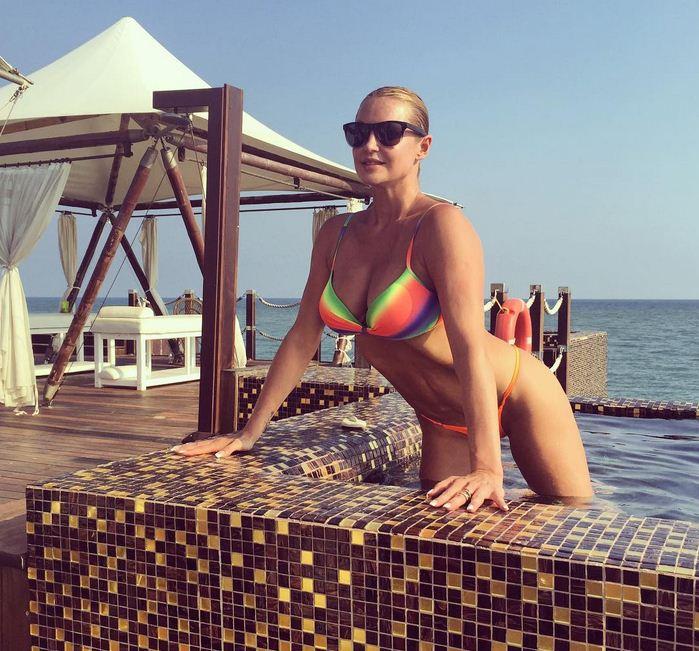 Повністю голу Волочкову підловили в нічному клубі Ялти (ВІДЕО)
