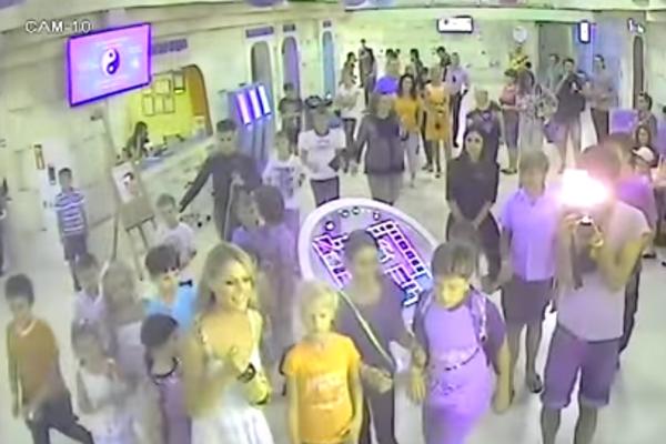 Охорона київського ТРЦ викрила та показала всю «брудну кухню» інспектора Фреймут (відео)