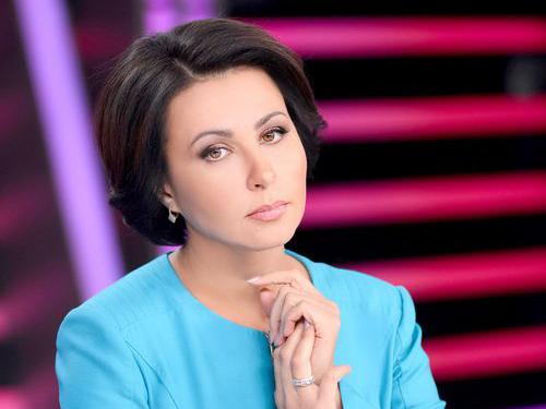 Ведуча Наталія Мосейчук звернулася до Путіна і надіслала йому книгу про війну на Донбасі (ВІДЕО)