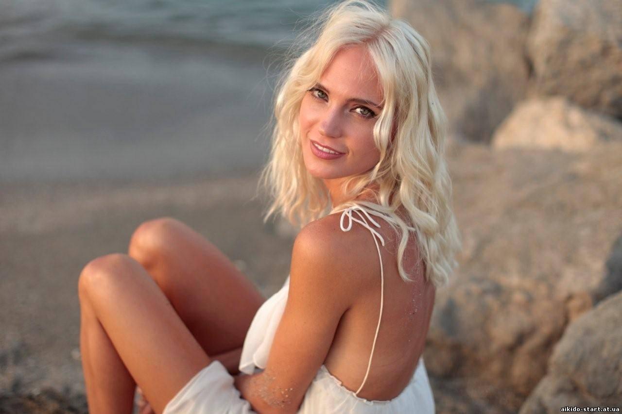 Поклонники раскритиковали Глюкозу за ее обнаженные фото (ФОТО)