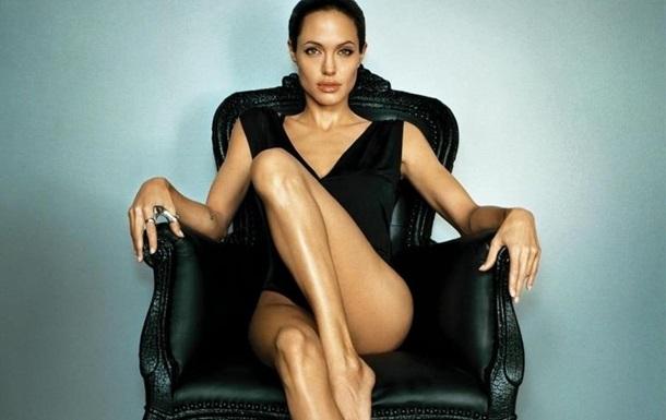 Анджелина Джоли снялась в образы балерины в колготках в сеточку и боди (ФОТО)