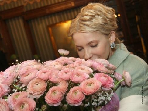 Тимошенко відгуляла день народження в сукні а-ля «П'ятий елемент». (ФОТО)