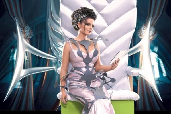 Позорный конфуз: на Королевой «лопнуло» платье во время съемок (ВИДЕО)