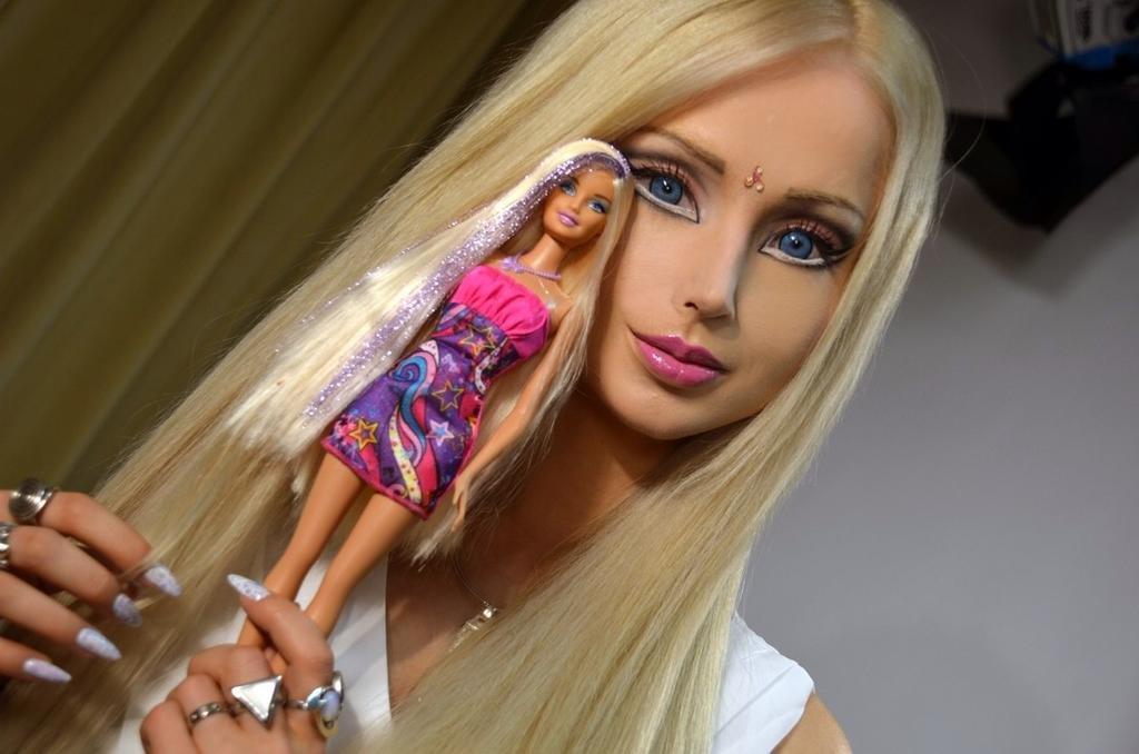 «Одесская Барби» шокировала всех снимками без макияжа (ФОТО)