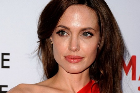 Джолі очима Пітта: актор сфотографував дружину топлес (ФОТО)