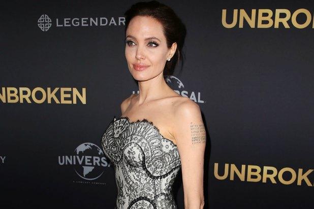 Бледная Джоли подчеркнула осиную талию металлическим поясом за 2 тысячи евро (ФОТО)