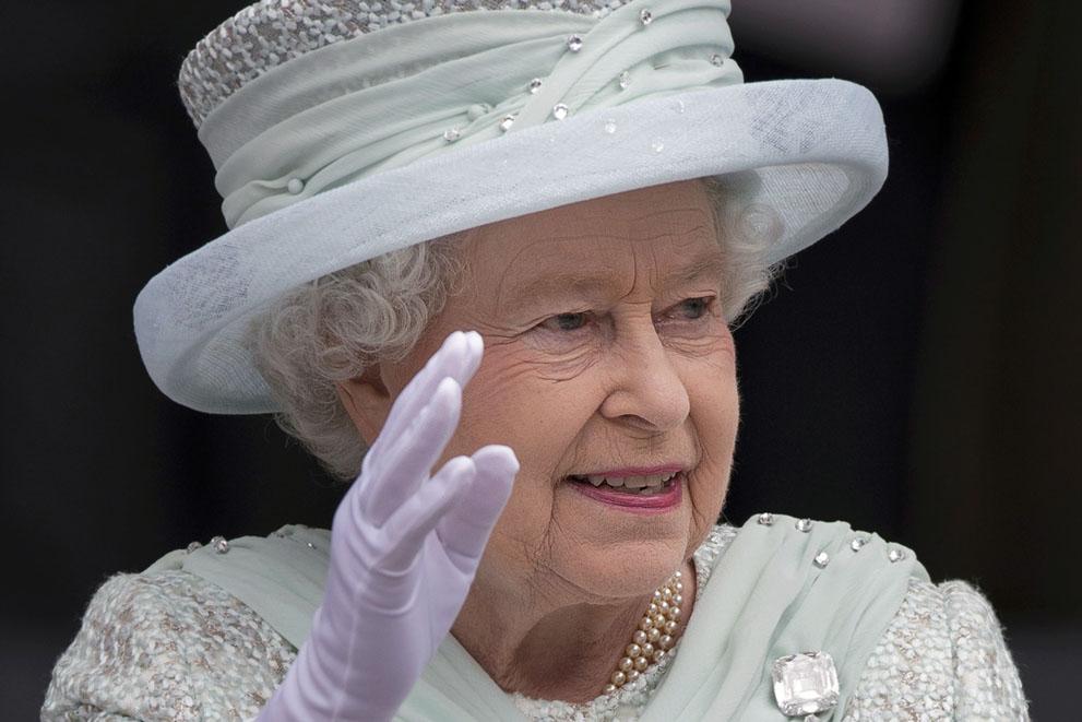 UK-QE2-04-BenStansall-AFP-Getty