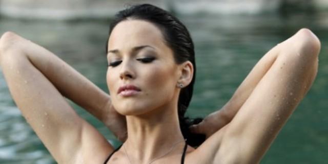 Даша Астафьева блеснула обнаженной грудью в горячей фотосессии (Фото)