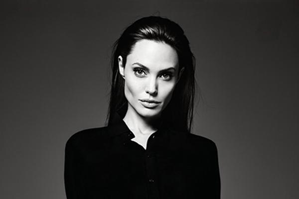Героїня Анджеліни Джолі відправився воювати з бабою-Ягою