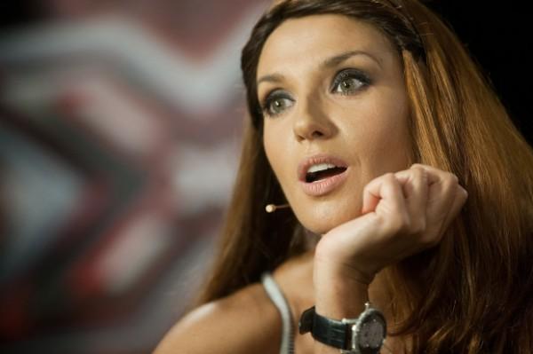Оксана Марченко на финале «Х-фактора» пришла на эфир в откровенном красном платье (ФОТО)