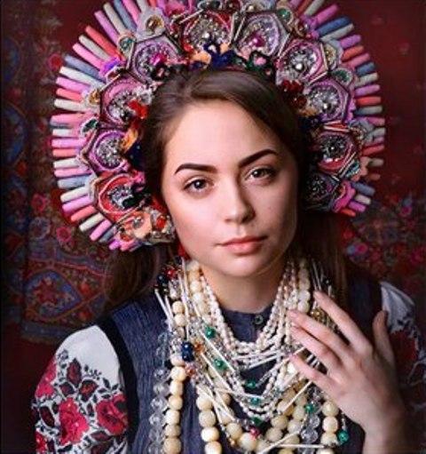 Львів'яни показали традиційне весільне вбрання наречених Одеської області (Фото)