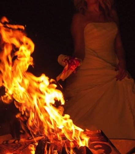 Украинская певица из мести любимому сожгла роскошный особняк (ФОТО)