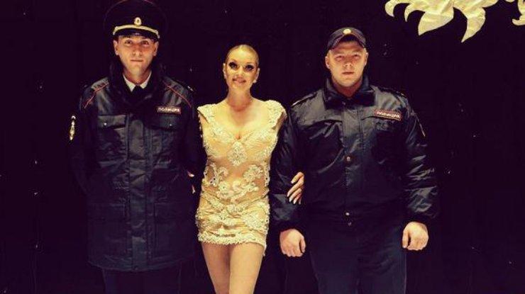 anastasija-volochkova-v-kompanii-politseskih-instagramvolochkova_art_rect_6cf501eda1830bb141b8c6b5ca758947