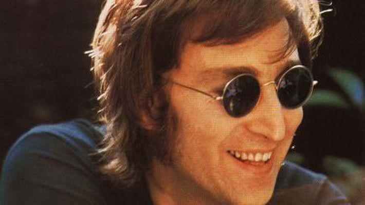 Гітару Д. Леннона продали за 910 тис. дол.