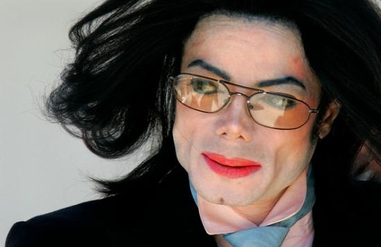 Родные опасаются за жизнь единственной дочери Майкла Джексона (ФОТО)
