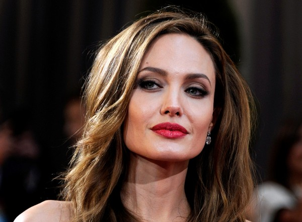Психолог пояснив страшну худобу Анджеліни Джолі (ФОТО)