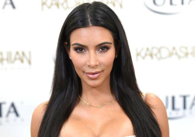 Ким Кардашьян стала платиновой блондинкой (ФОТО)