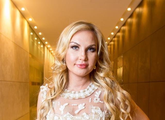 Певица Камалия сообщила об угоне автомобиля с именными номерами (ФОТО)