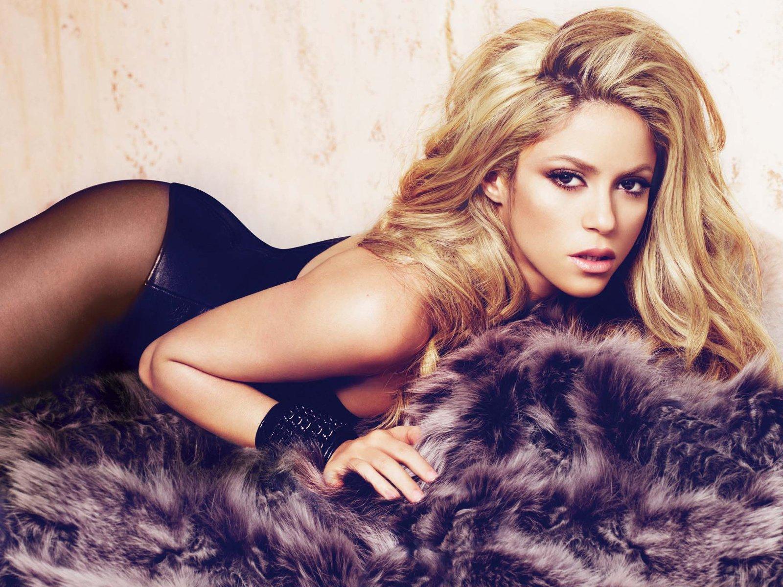 Без макияжа и фотошопа: Шакира показала свою естественную красоту (Фото)