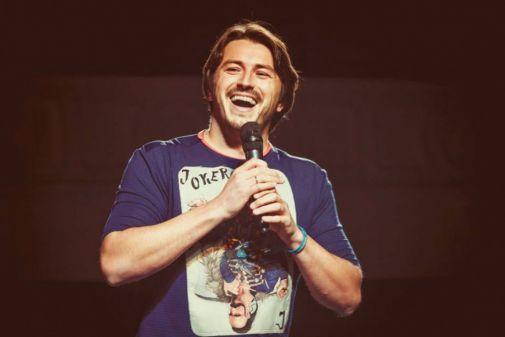 Син Сергія Притули допомагає татові заробляти на концертах (Відео)