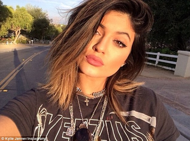 Kylie-labios-0