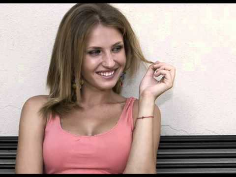 Українcька красуня стала популярною співачкою в Італії