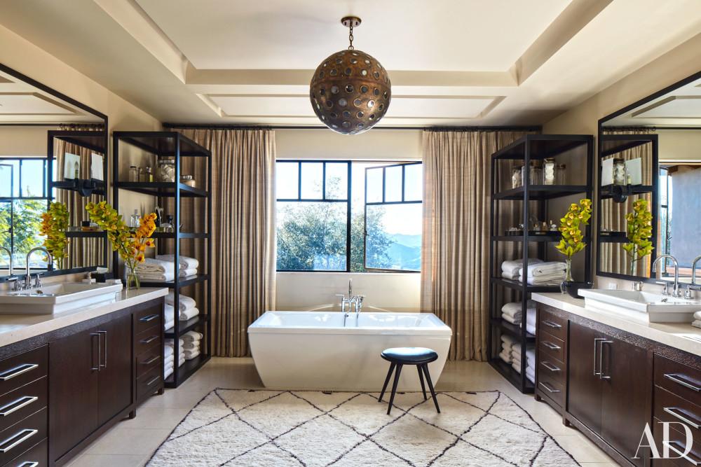 kourtney-kardashian-home-house-inside-decpratio-architectural-digest-7-e1454670977750