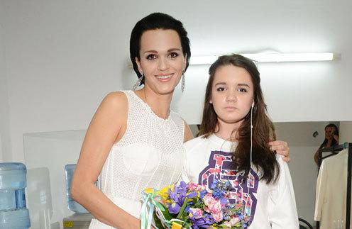 Певица Слава разрешила дочери-школьнице жить с парнем