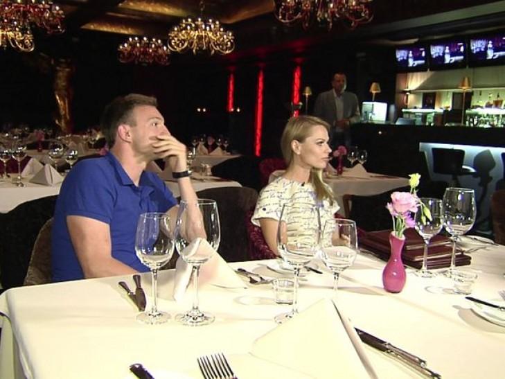 Фреймут облив елітним шампанським незадоволений господар ресторану (ФОТО)