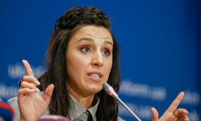 Джамала отказалась от поездки с Порошенко в Турцию