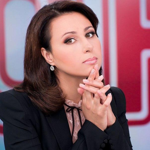 Ведущая ТСН Наталья Мосейчук празднует день рождения: топ-5 эффектных фото звезды