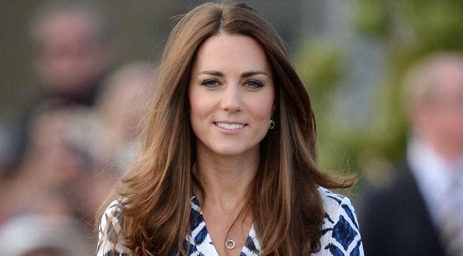 Кейт Міддлтон прийшла на чаювання королеви у старому вбранні (ФОТО)