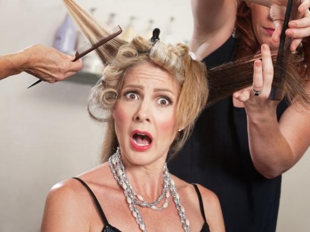 Чего не стоит делать во время стрижки и окрашивания волос: золотые правила