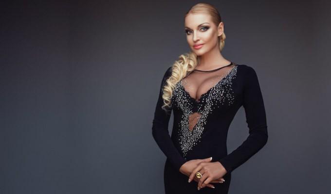 Анастасия Волочкова шокировала неудачным нарядом для выпускного дочери (ФОТО)