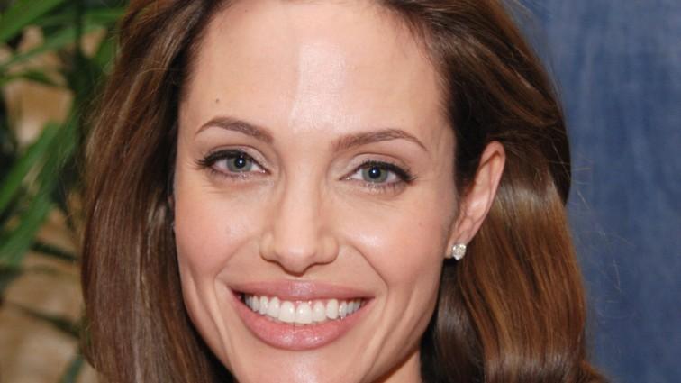 Анджеліна Джолі знову шокувала шанувальників. Ти тільки поглянь на її руки! (фото)